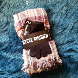 Steve Madden Blanket Scarf & Gloves